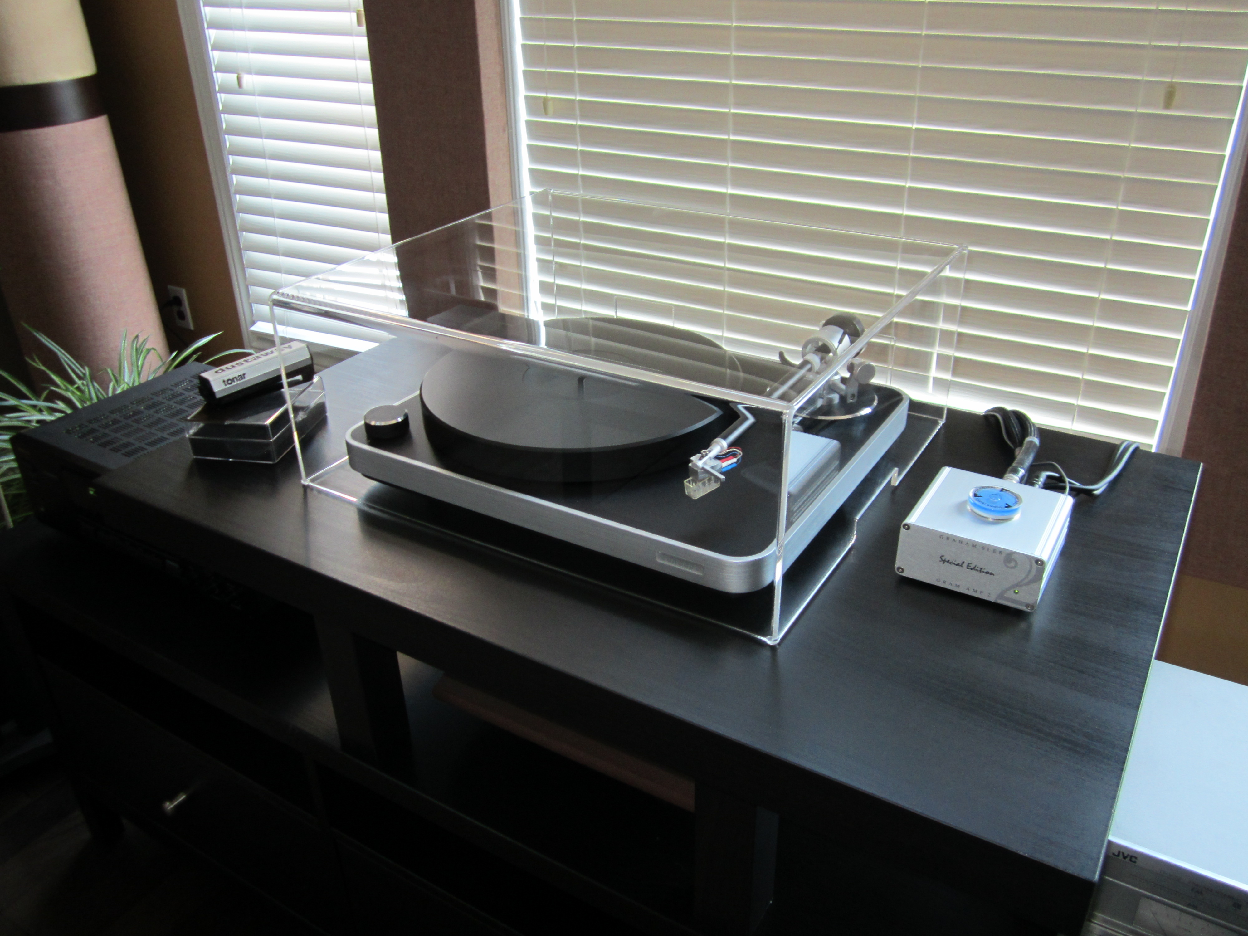 Best Way To Dust Furniture Concept clearaudio concept cover review | acrylic turntable dust covers